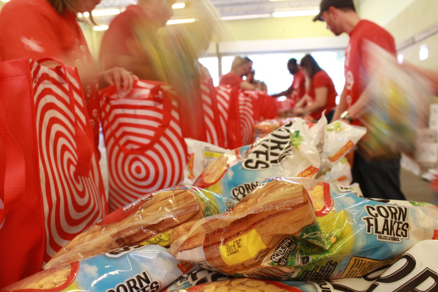 The Jim and Tabitha Furyk Foundation teams up with Target executives on May 1 to provide bags of food for local, underprivileged students.