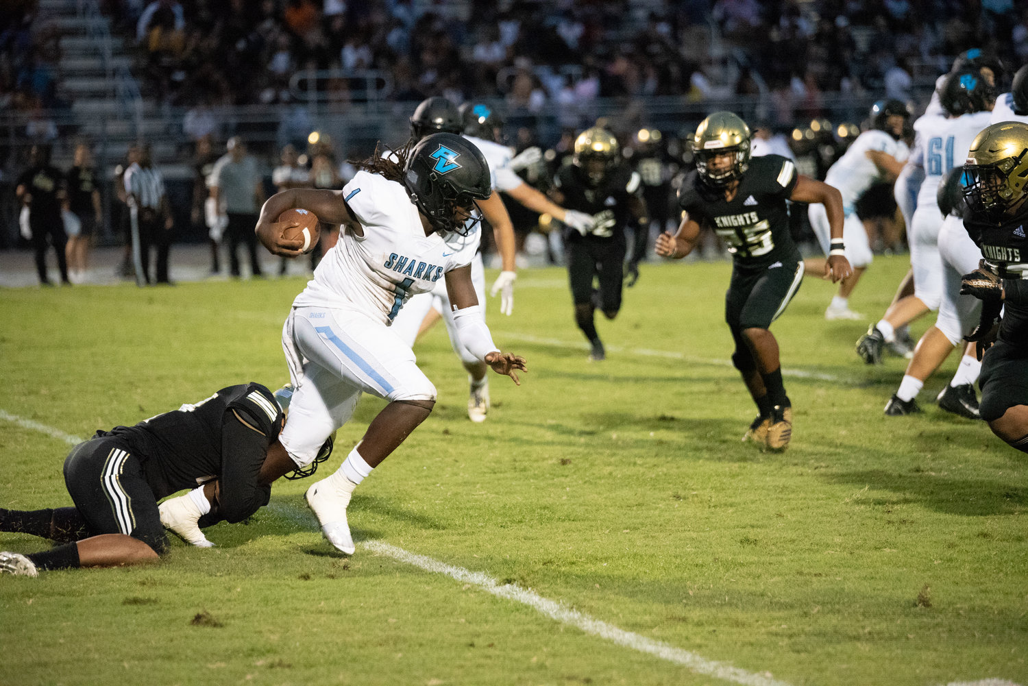 PVHS quarterback Jacobi Myers runs the ball against Oakleaf during the Kickoff Classic Aug. 16.