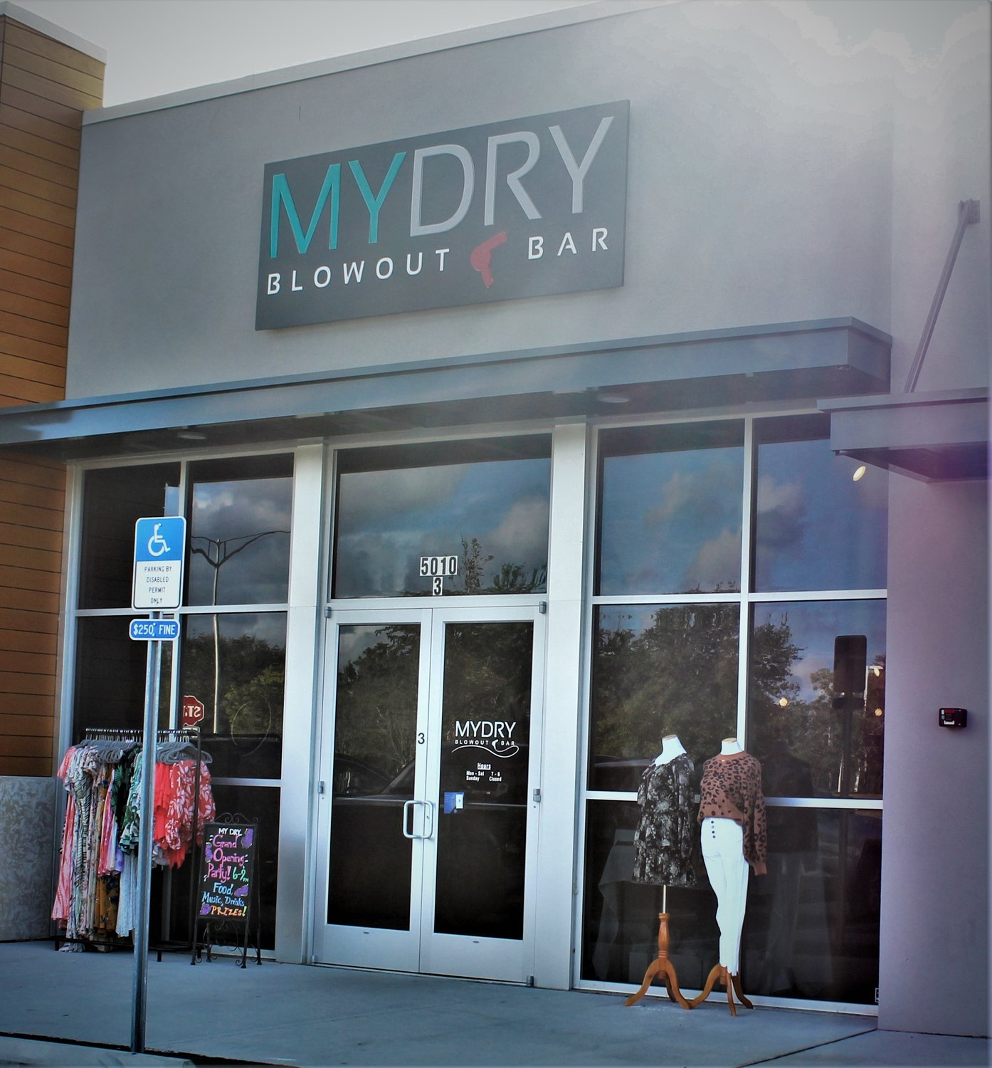 Jacksonville Town Center: Mydry Blowout Bar Opens Second Location By Jacksonville's