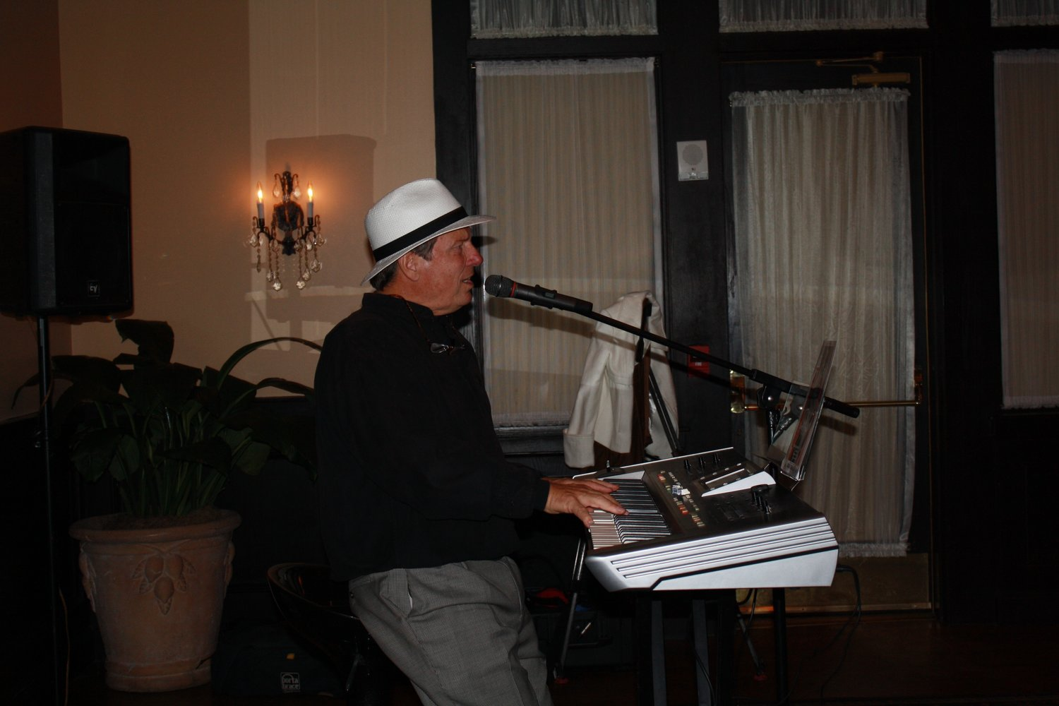 Murray Goff entertained the crowd gathered at Maggiano's for the Ivana B Skinny launch party.