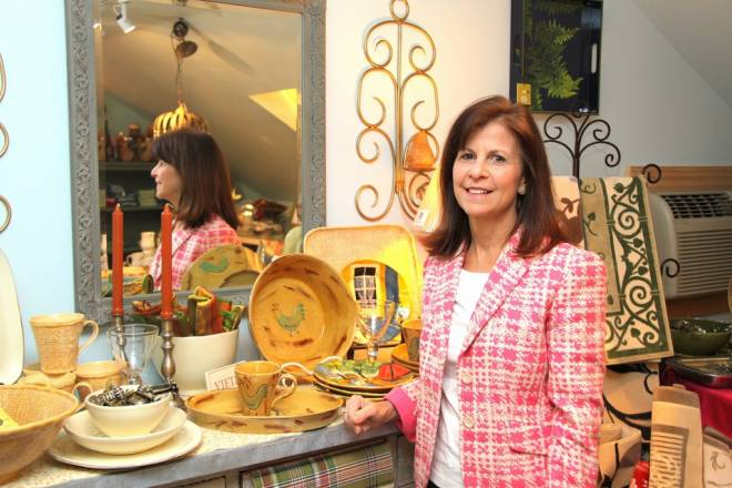 Lois Coppolino at Daisy Dig'ins
