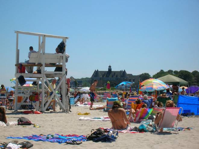 Narragansett Town Beach: Who needs work when you've got this view?