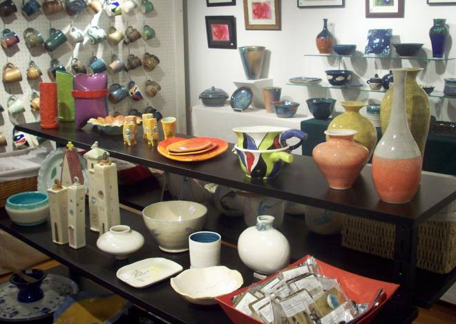 The South County Art Association Holiday Pottery and Art Sale