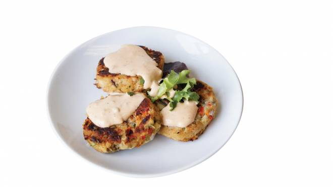 Clam Jammers Experience a more unique kick to crab cakes. Accenting the crab with a fresh, summery seasoning, these lightly-breaded cakes are the perfect blend of textures that will satisfy your craving. Add on the clam shack's chipotle remoulade for a pleasingly spicy twist. 294 Great Island Road, Narragansett. 783-9600.