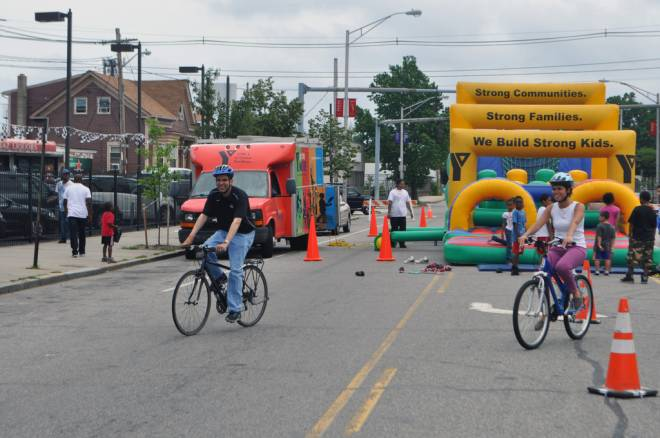 Mayor Angel Taveras participating in Cyclovia, a car-free event open and free for all