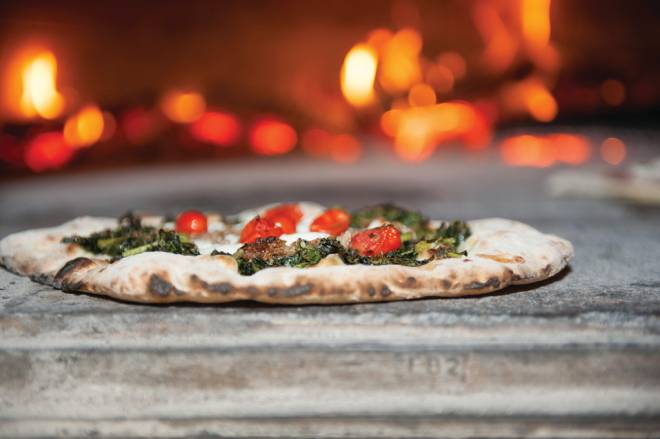 The chewy and crispy crust takes center stage at Cobblestones