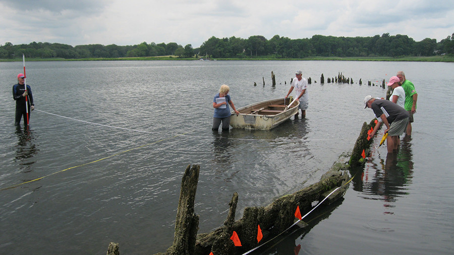 Volunteers search local waters for shipwrecks