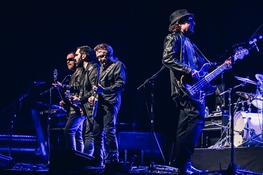 Blue Öyster Cult plays at Greenwich Odeum