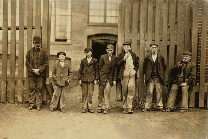 Young workers at Parker Mills, circa 1909