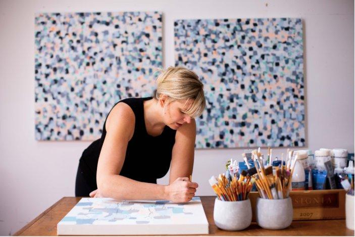 Kristen Coates leading a virtual art workshop