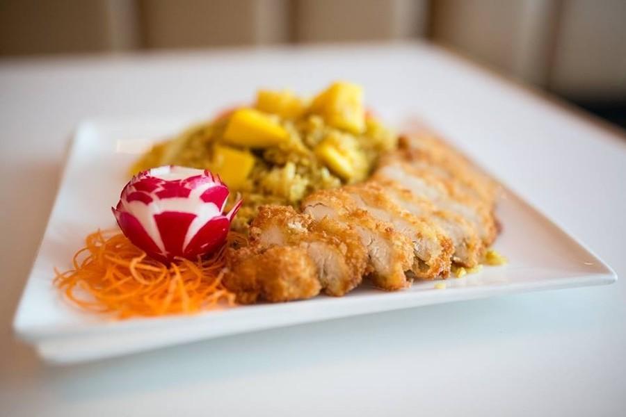 Dining guide hey rhody for Aroi fine thai japanese cuisine