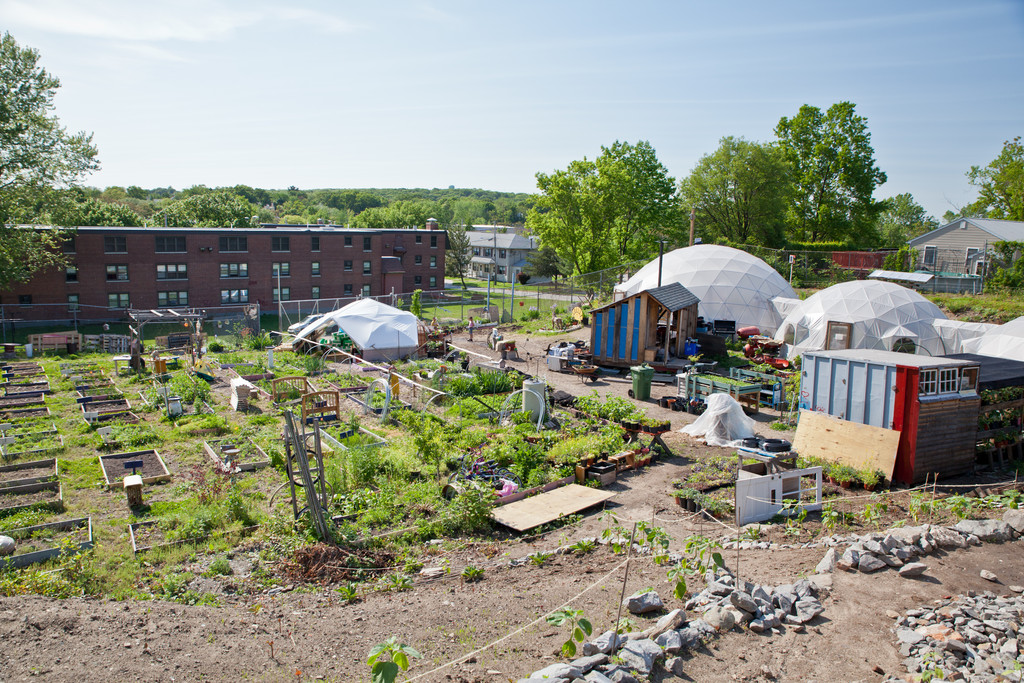 The Garden of Life is located within a housing community, and relationships with the neighbors have been crucial to its success