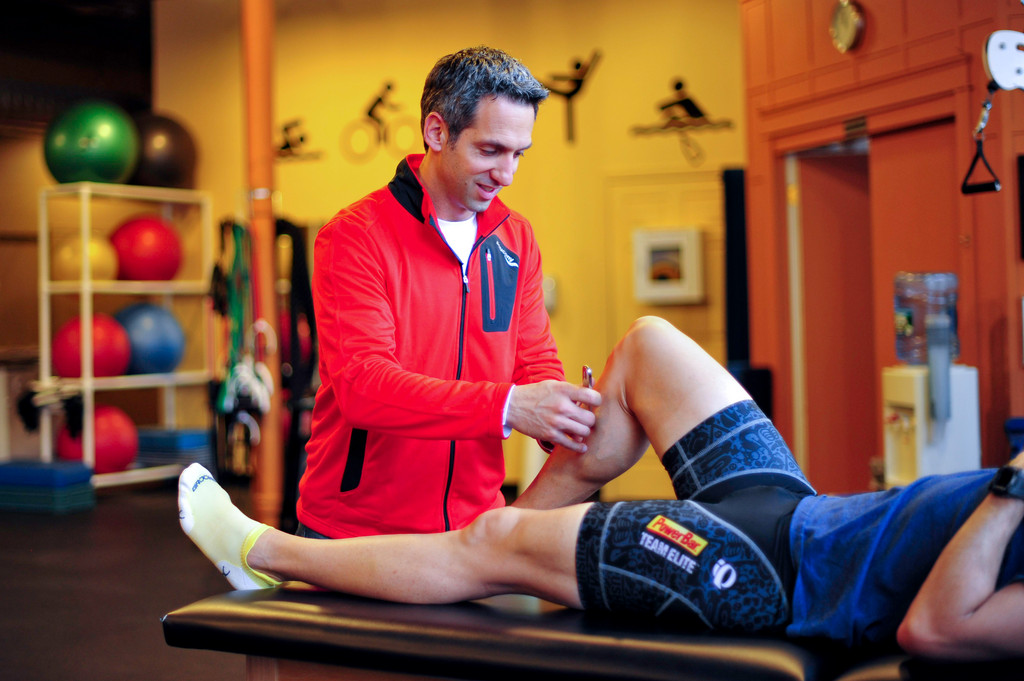Physical therapist Mike Silva educates amateur and world-class athletes on running exercises