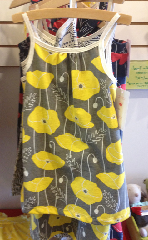 Alexis at  Kreatelier  is excited about bright, printed children's clothing.  These looks are great for layering so there is no need to wait for the warm weather.