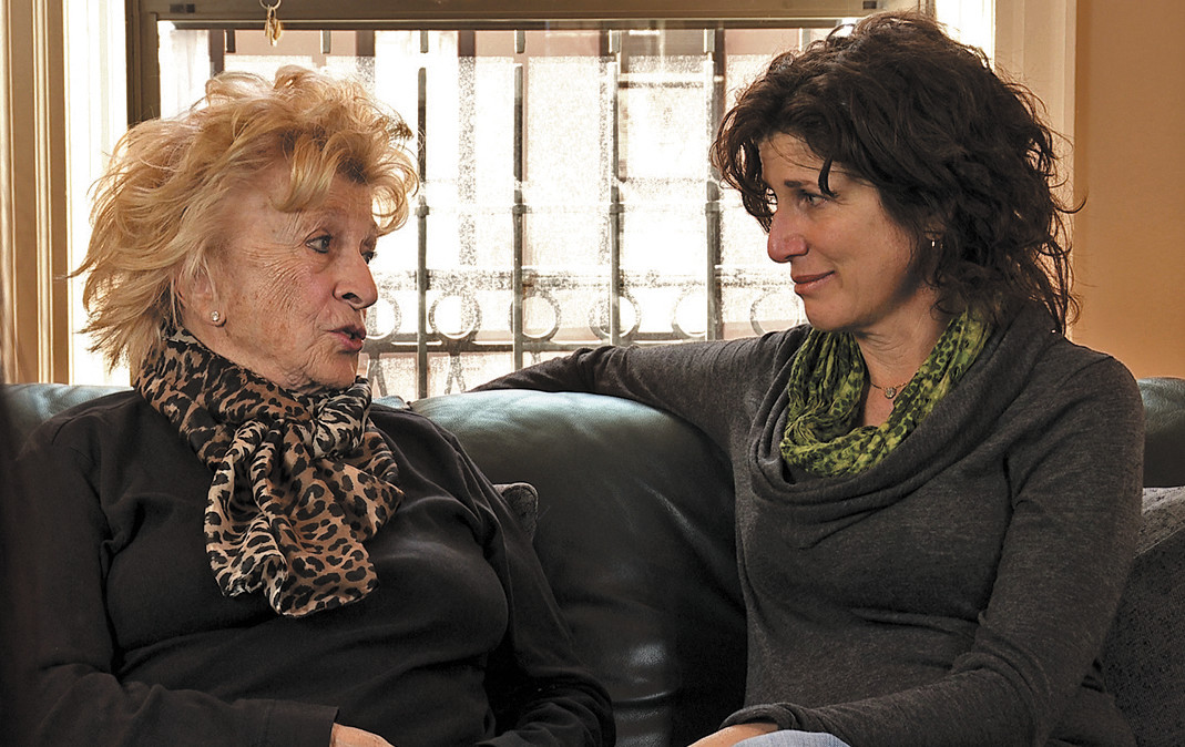 Director Gayle Kirschenbaum (right) and her mother in Look at us Now, Mother!
