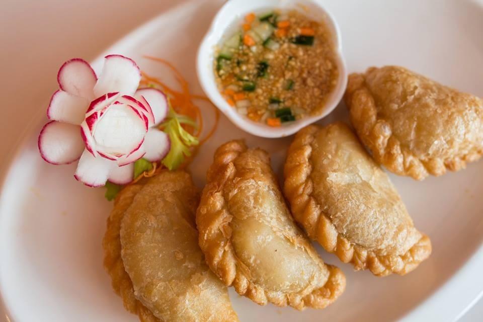 Sa tang fine thai asian cuisine providence monthly for Aroi fine thai japanese cuisine