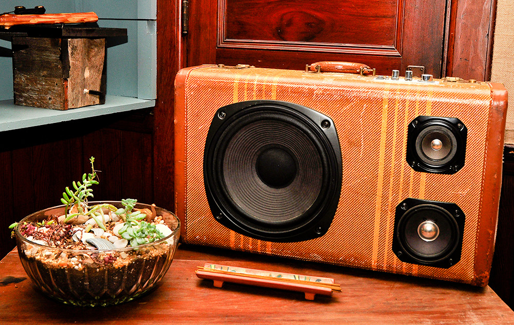 Vintage suitcase speakers: $245-$375