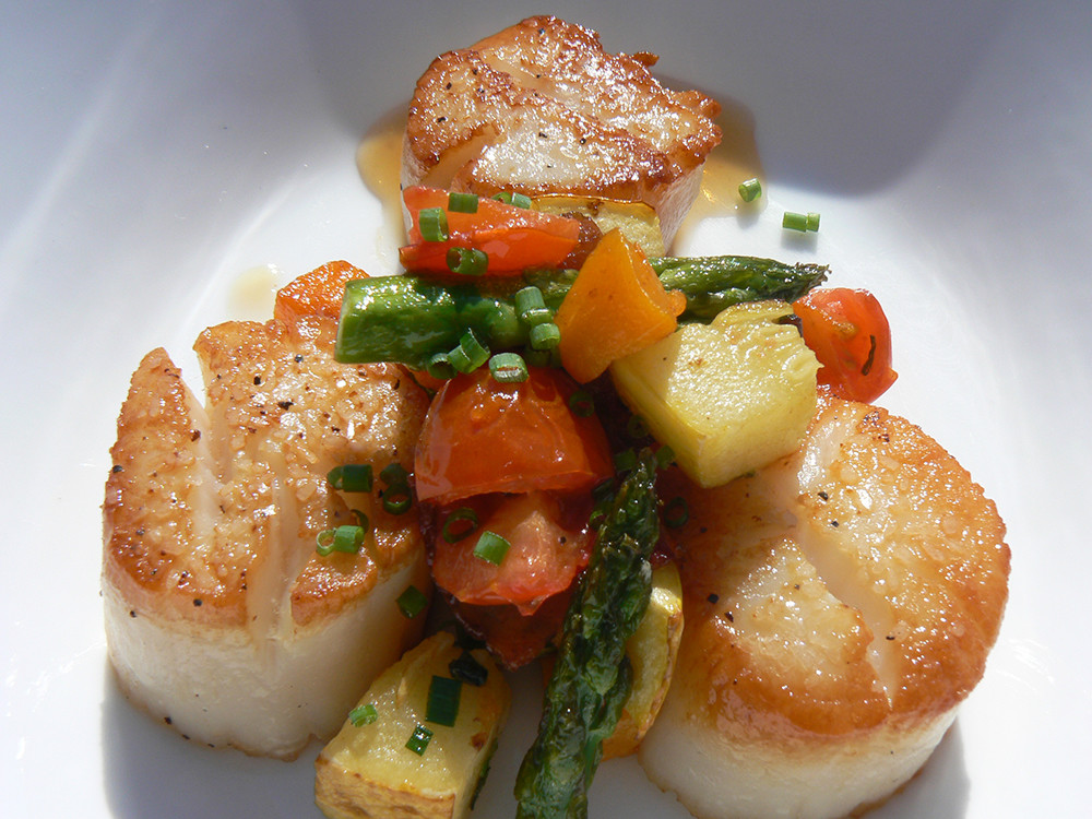 Seared Sea Scallops with summer vegetables and smoky bacon