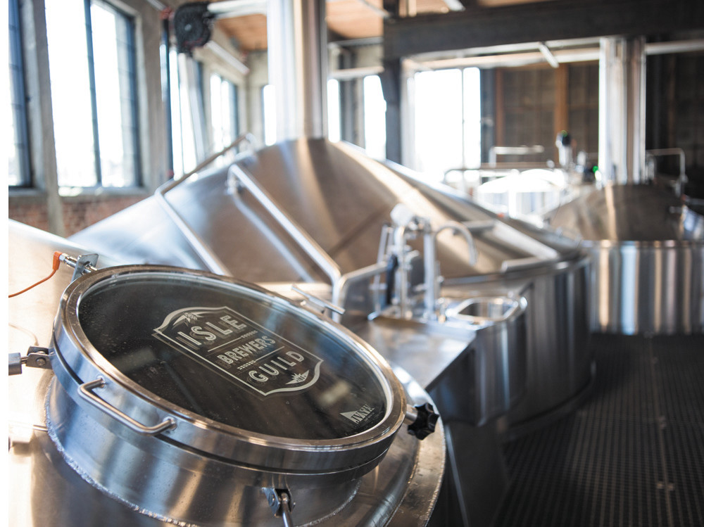 'Gansett and several other craft breweries will be partners in the Isle Brewers Guild in Pawtucket, a facility designed to help rising craft brewers meet increasing production demands