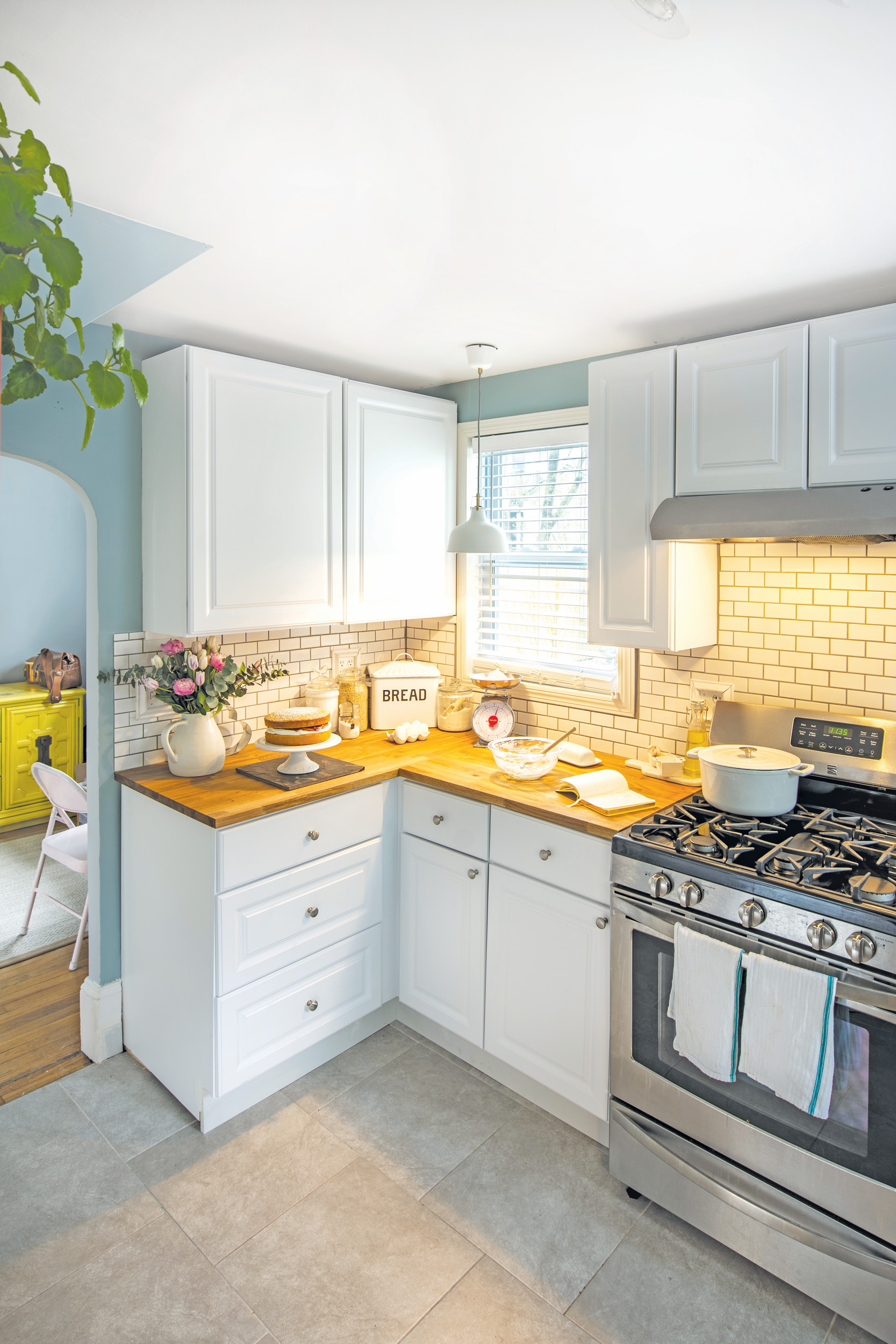 Lifestyle blogger Holly Vine has incorporated practicality and decorating touches from her native England to create an ideal space for experimenting with recipes in her Providence home