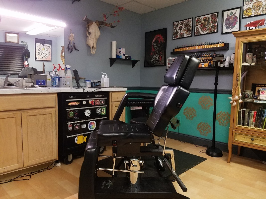 0b202561ad306 1001 Troubles tattoo shop in Warren is expanding and growing its staff