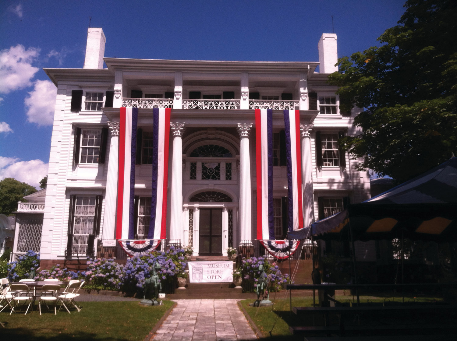 Fourth of July picnic at Linden Place