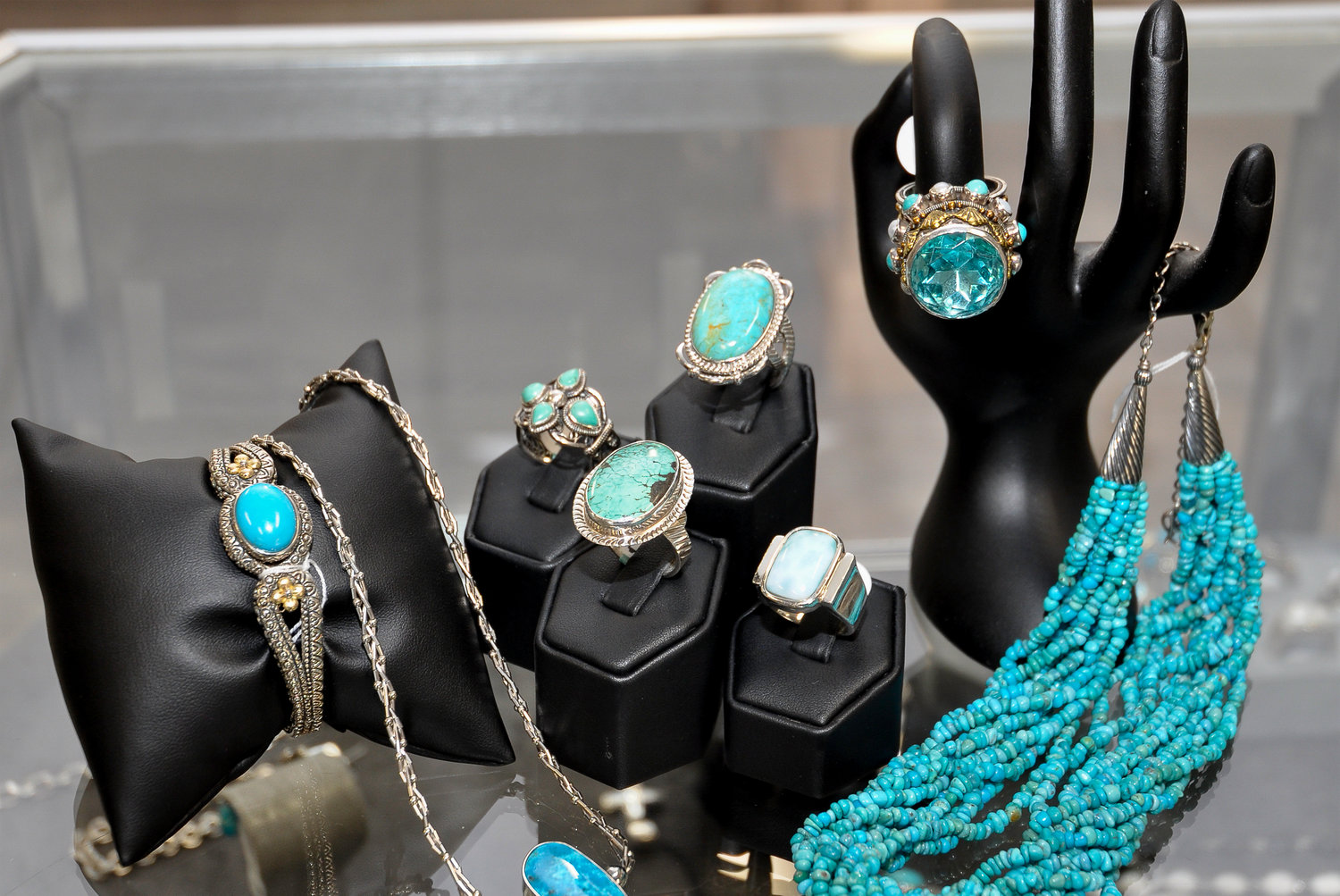 Find fine jewelry and other unique accessories made by local craftsmen at Compass Rose