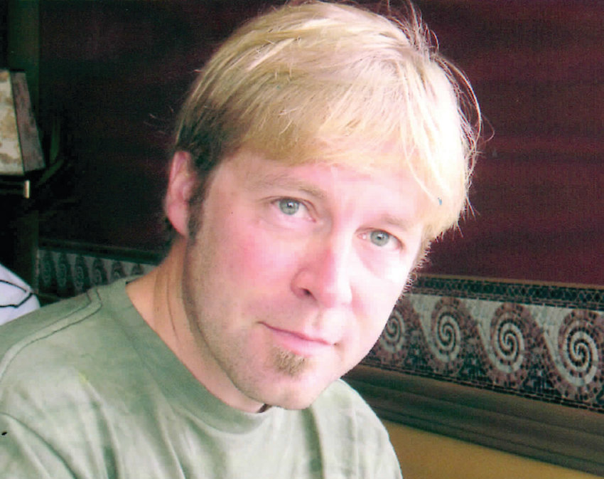 Douglas J Anderson