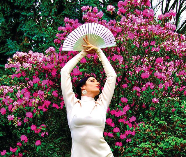 Savannah Fuentes Flamenco is coming to Port Townsend this summer.