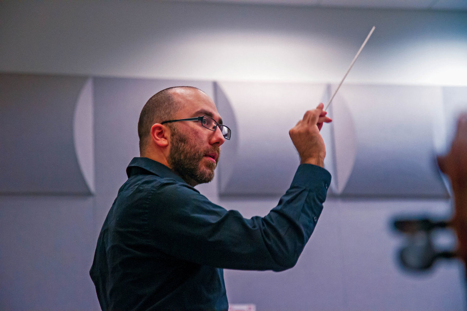 Tigran Arakelyan conducts the Port Townsend Community Orchestra during rehearsal Oct. 17. Photo by Katie Kowalski