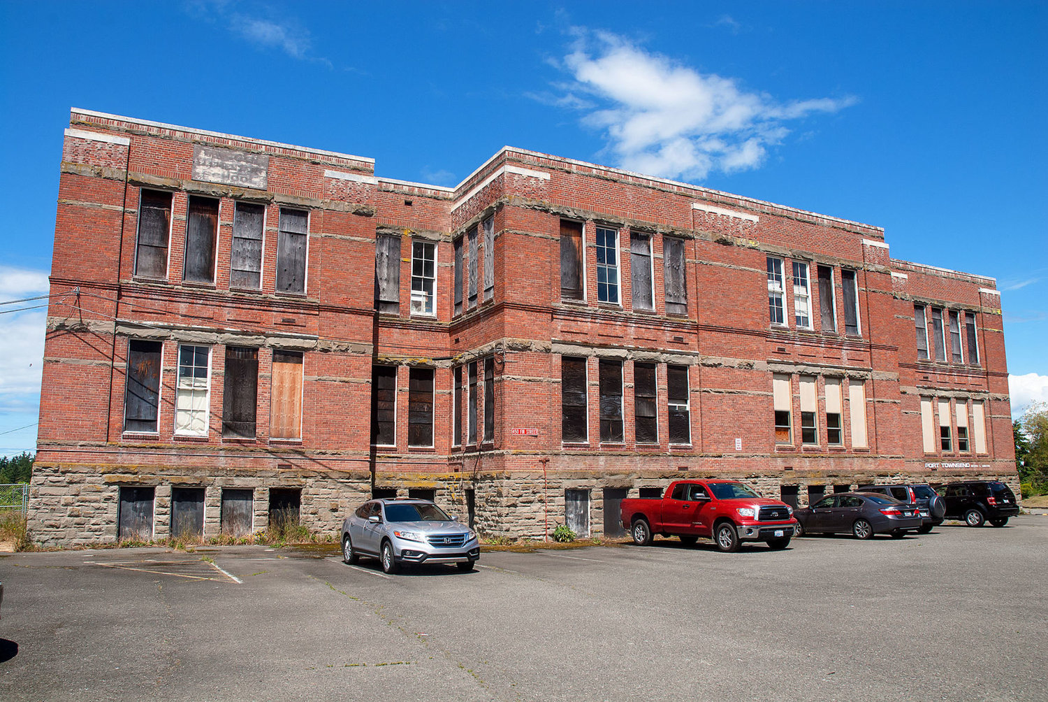 The boarded-up Lincoln School, built in 1892, has been nominated for inclusion on the National Register of Historic Places. Photo by Chris Tucker