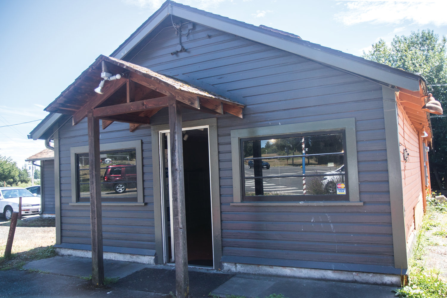 The building at 939 Kearney Street in Port Townsend was the home of Candace's Cookies for many years. Now, it is planned to be a Recovery Cafe, to support those in recovery from substance abuse, homelessness, mental illness and trauma.