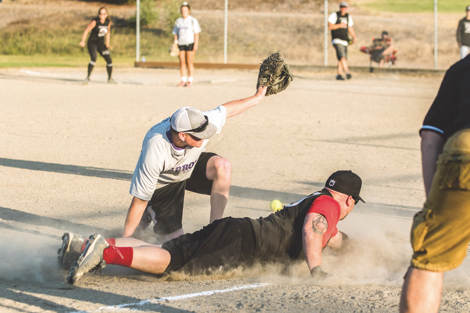 Nic Dahl from Team HC Spinners is safe on third base.