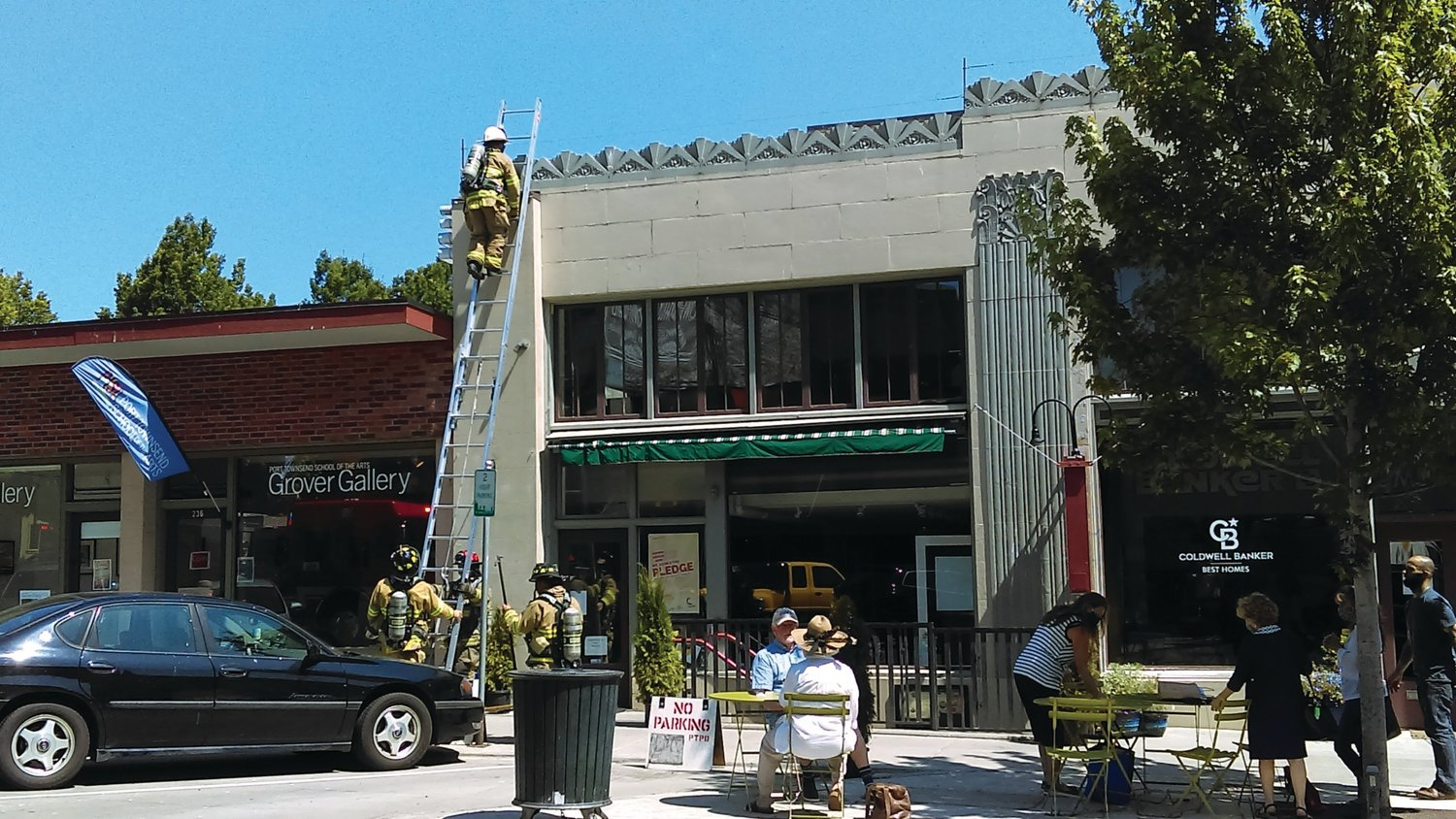 A commercial fire alarm on Taylor Street prompted a mass response by local authorities at lunchtime Thursday.