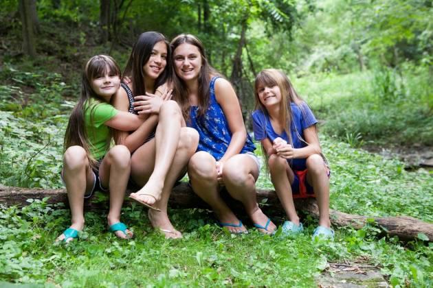 Fresh Air friends enjoy a summer day outside. Photo by Genevieve Fridley Photography.