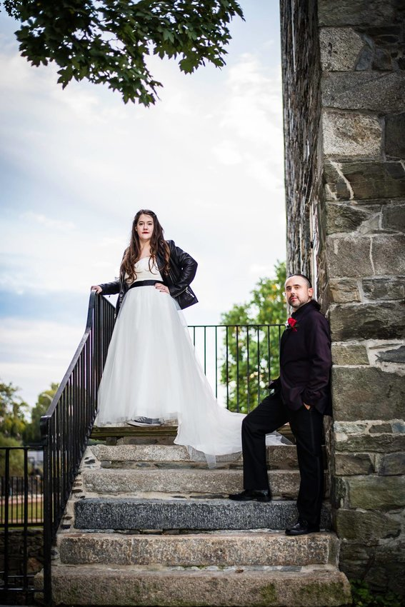 Caitlin Howle and Jesse D. Crichton Marry