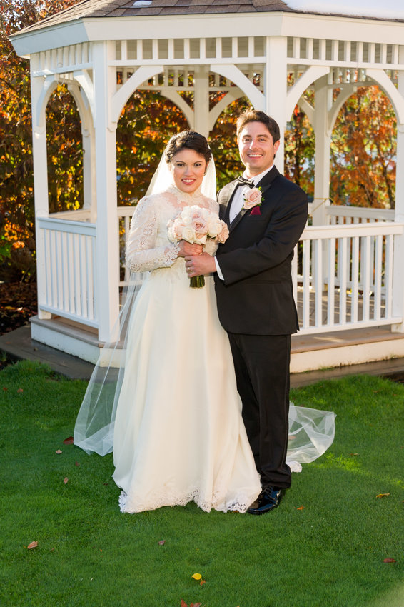 Jennifer E. Teixeira and Nathaniel P. DeParis Marry