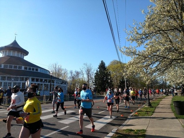 More than 200 road race enthusiasts participated in the first annual Pomham Rocks Lighthouse Run on April 24 to benefit the historic light station and museum.