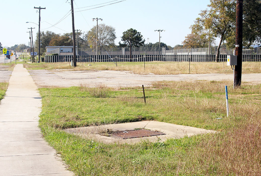 Sealy ISD plans to construct a new athletic parking lot on land outside T.J. Mills Stadium and next to the tennis courts off Hwy 90. First, the district must contend with prospective drainage issues before cars can roll through there for the next football game.