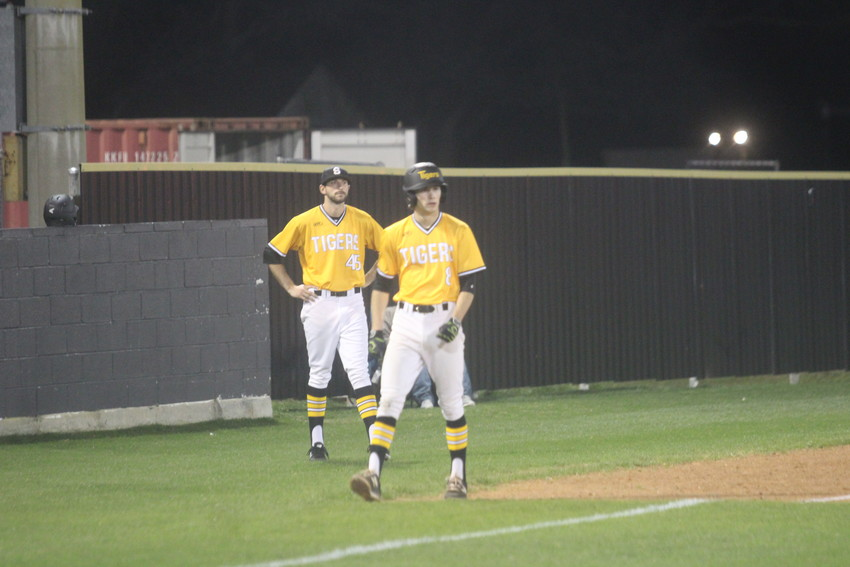 Junior Hunter Kelley scored Sealy's only run in their 1-0 win over La Vernia in the Tigers' third win of the La Grange Tournament.