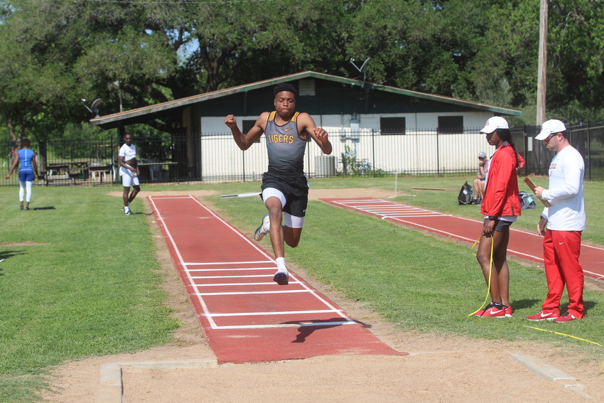 Tyrek McNeese, Kevon Keese, Matthew Lord, Ivan Bolden, Noe Navarro and Raegan Newsome all advanced to the state track meet next week after placing in the top four in their respective competitions at regionals.