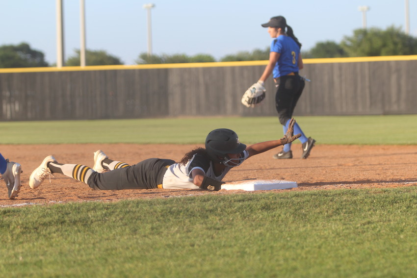 Getting on base proved to be a problem for Sealy in their playoff series against Bay City as they were only able to tally nine hits over two games and were swept to end their season.