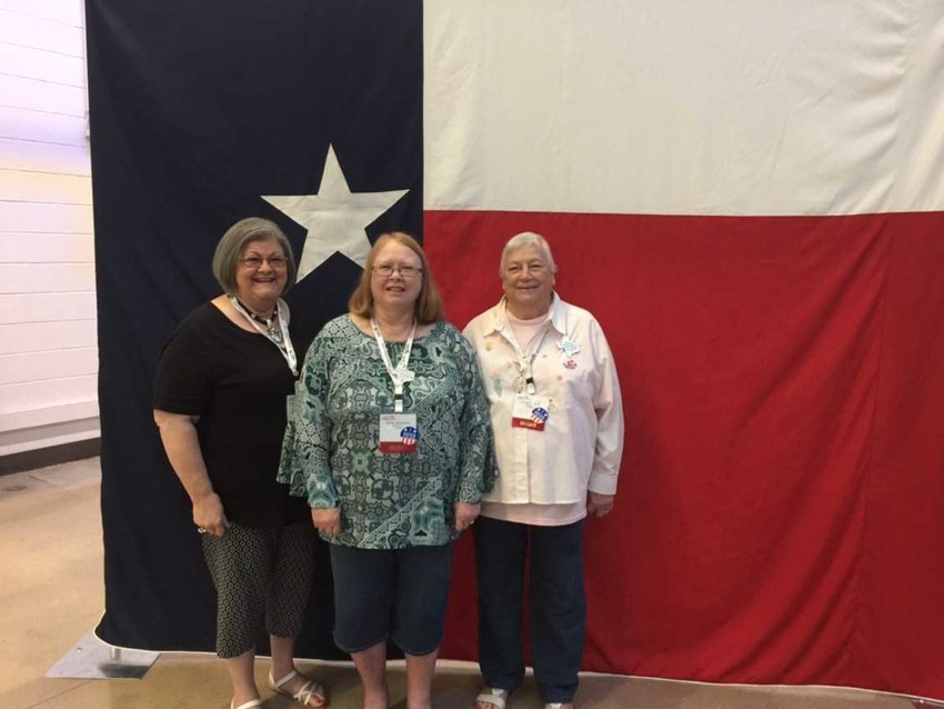 Doris Glenewinkel, Jessie Kokemor and Gladys Frank were among the attendees at the TEEA state conference.