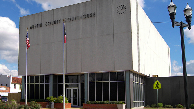 Voters approved Nov 6 a $17 million bond issue for a new county justice complex.