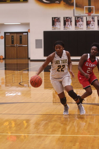 Diari Dabney has averaged a double-double over her last seven games with an average of 10.3 points and 12.1 rebounds per game in that stretch.