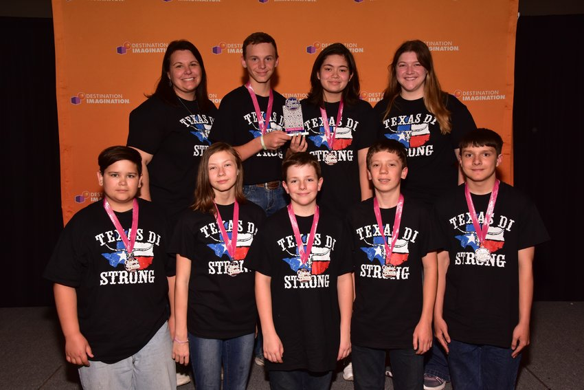 From left to right in the front row are Asher Dickinson, Anna Froehlich, Everett Yates, Eli Kubicek and Jacob Wallace. In the back row, from left, are Team Manager Stacy Woodley, Travis Woodley, Madison Halverson and Team Manager Beth Elberson.