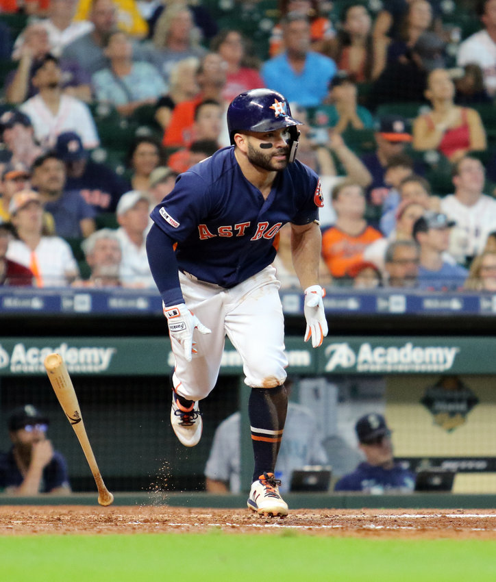 Jose Altuve takes off for first after getting a hit Sept. 8 against Seattle. The Astros struggled with the Oakland A's early last week but swept the Kansas City Royals to finish the week.