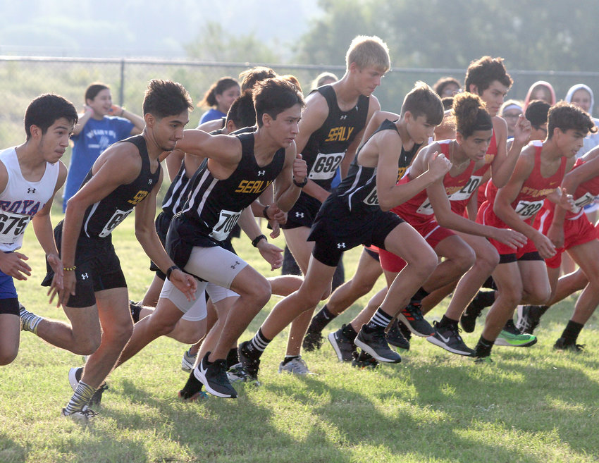 The Sealy boys' cross country team got a pair of top-10 finishes on top of three top-20 finishes Monday morning at Royal High School to notch their fifth consecutive district title and ninth in the last 12 years.