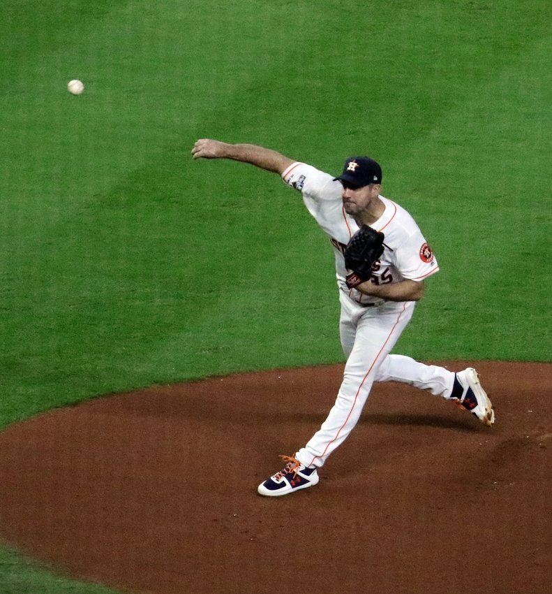 Justin Verlander got the start for the Houston Astros in Game 5 of the ALCS and although he allowed four runs in the first inning, he shut down the Yankees over the next six innings.