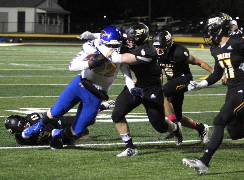 The Sealy defense allowed only 158 yards of total offense with 93 of them coming on the ground on Bay City's 53 total plays Friday night at TJ Mills Stadium.